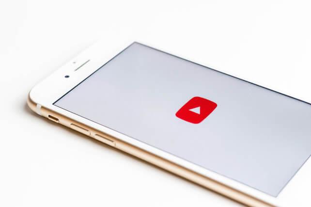 Copertina articolo caricare video YouTube da cellulare
