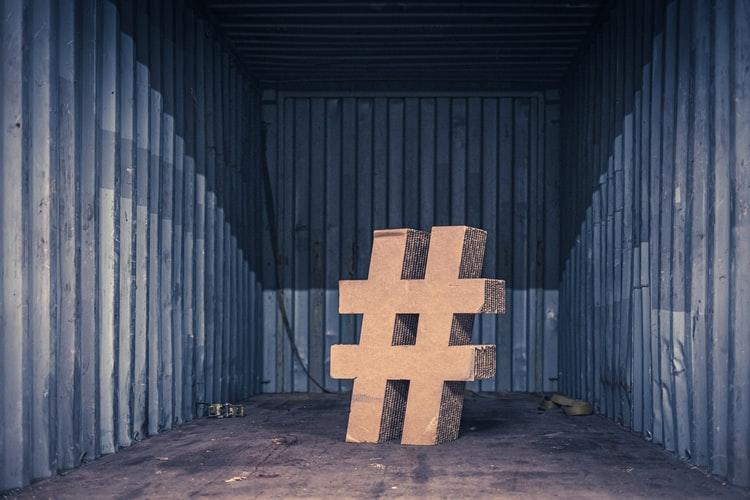 Qual è la differenza tra tag e hashtag?