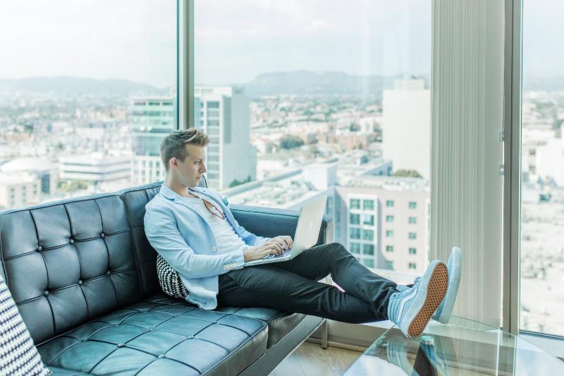 Come trovare aziende su Instagram per collaborazioni